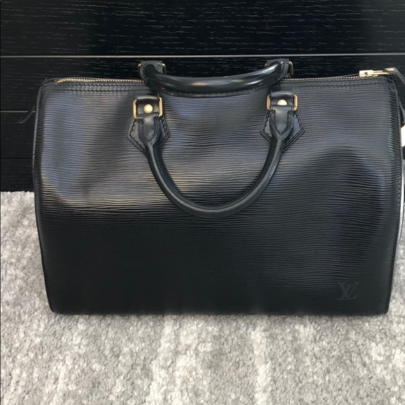 Louis Vuitton Handbags - Authentic Vintage Louis Vuitton Speedy Epi black a4ac1df5532b2